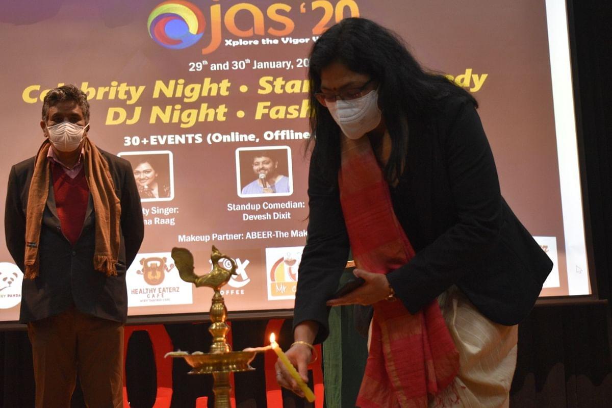 लखनऊ : चुनौतियों से भरे एक वर्ष के बाद जयपुरिया इंस्टीट्यूट ऑफ मैनेजमेंट में 'ओजस' भर रहा उत्साह, ऊर्जा और जोश