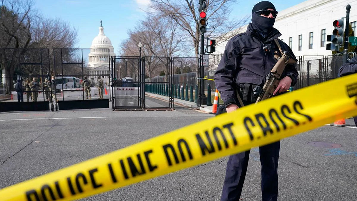 अमेरिकी संसद कैपिटल बिल्डिंग कैंपस में आग लगने के चलते बंद की गई