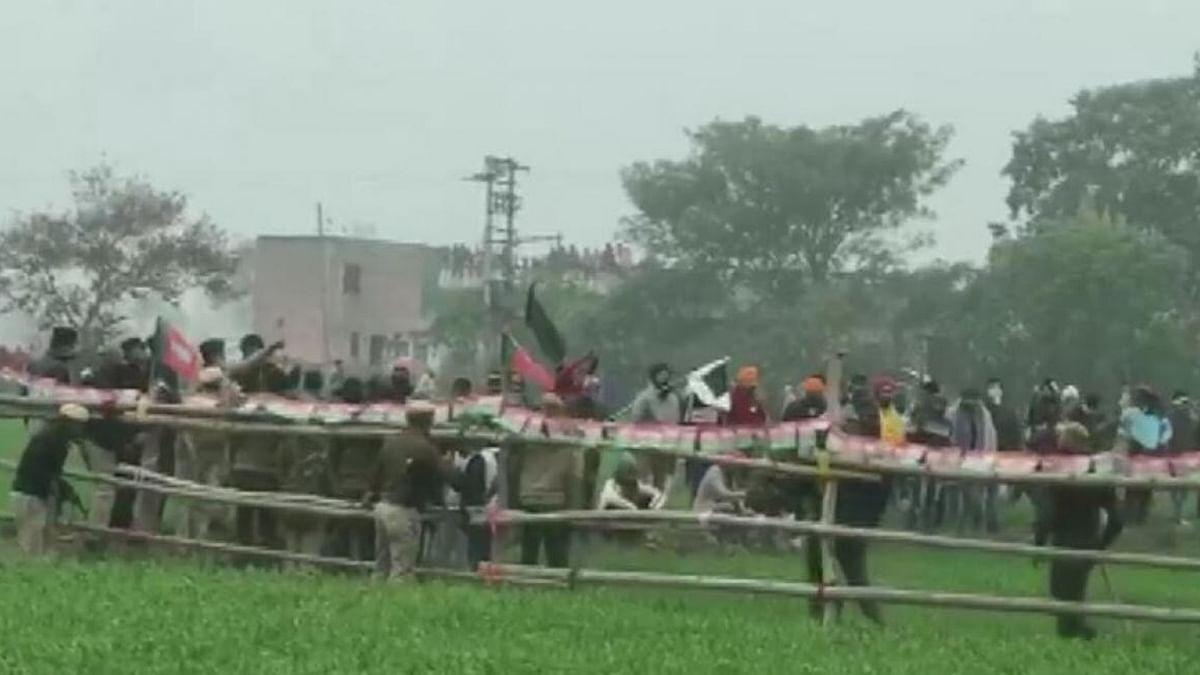 किसान आंदोलन : करनाल में पुलिस का किसानों पर लाठीचार्ज और आंसू गैस के गोले, खट्टर का कार्यक्रम रद्द
