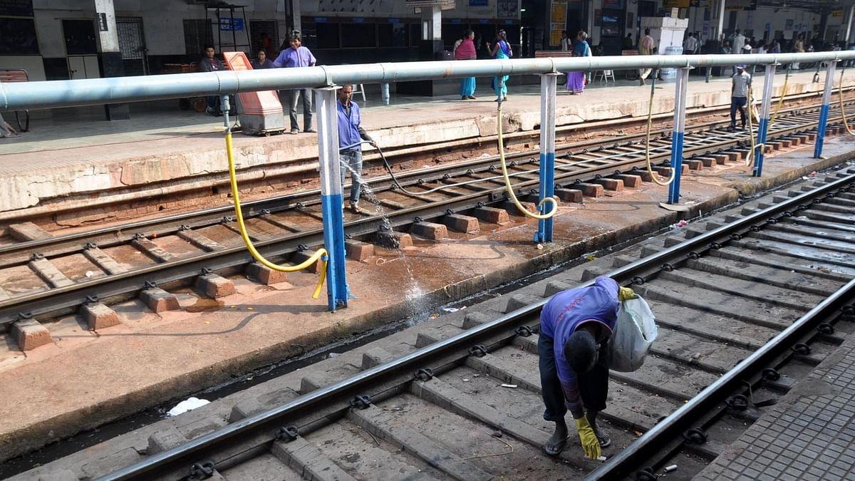 उत्तर प्रदेश: चलती ट्रेन के सामने कूदकर मां-बेटी ने दी जान