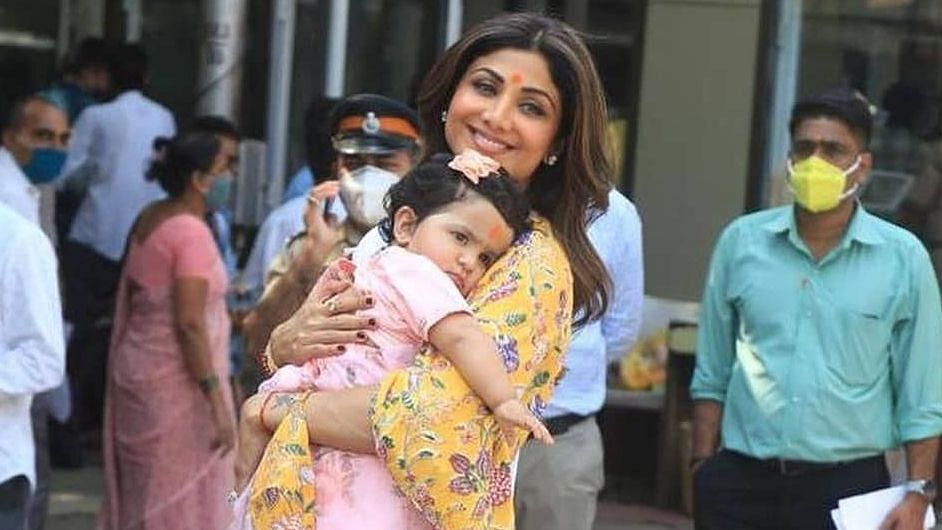 शिल्पा शेट्टी और राज कुन्द्रा की बेटी समीशा का मना पहला बर्थडे, वीडियो हुआ वायरल