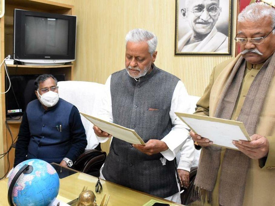 लखनऊ: समाजवादी पार्टी के राष्ट्रीय सचिव एवं पूर्व कैबिनेट मंत्री श्री राजेन्द्र चौधरी ने ली विधान परिषद के सदस्य की शपथ