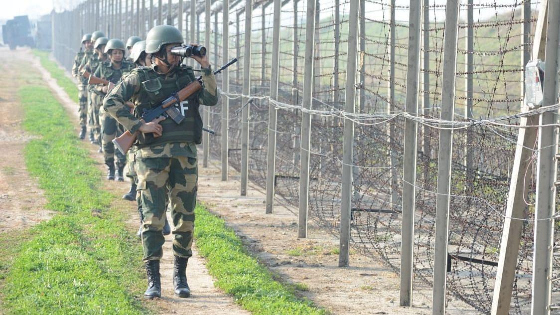 LOC पर पाकिस्तान ने फिर किया संघर्षविराम का उल्लंघन, सेना का एक जवान शहीद