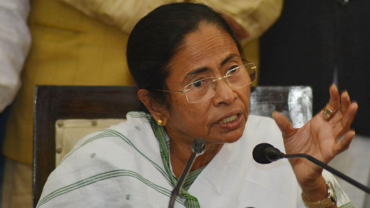 मंत्री जाकिर हुसैन पर हुए बम हमले को ममता बनर्जी ने बताया 'साजिश'