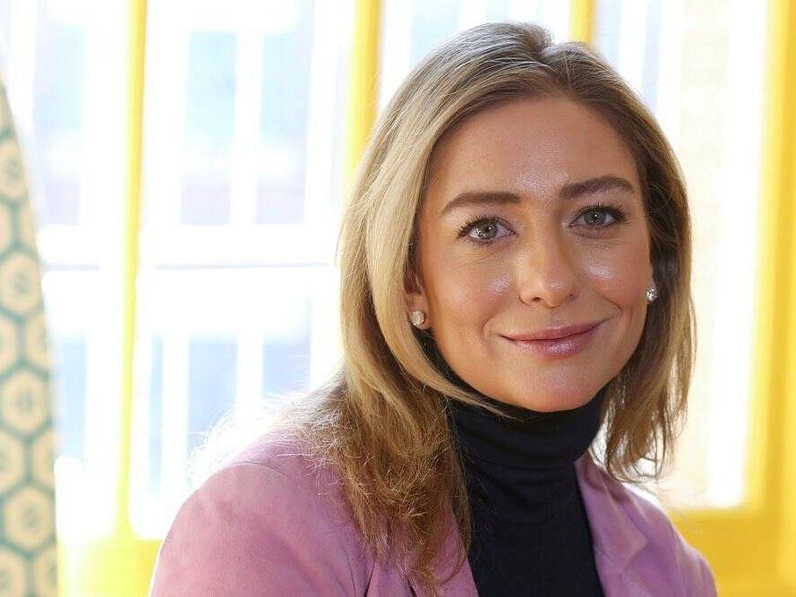 मिलिये दुनिया की सबसे युवा अरबपति महिला से, डेटिंग ऐप चलाने वाली कंपनी की CEO बनीं