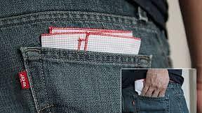 Vastu Tips: जेब में रखा रुमाल भी कर सकता है आपको आबाद-बर्बाद, जरूर जान लें ये बातें क्यूंकि पड़ता है दैनिक जीवन पर असर