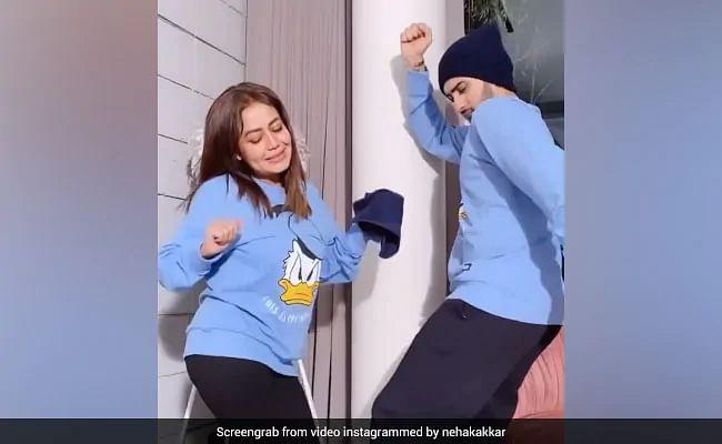 नेहा कक्कड़ (Neha Kakkar) और रोहनप्रीत सिंह (Rohanpreet Singh) का  'बूटी शेक'  डांस वीडियो सोशल मीडिया पर जमकर हो रहा है वायरल