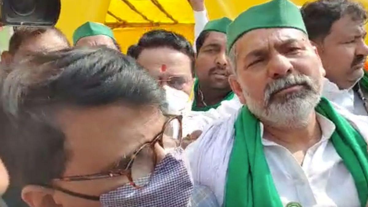 किसानों के समर्थन में गाजीपुर बॉर्डर पहुंचे संजय राउत, भारतीय किसान यूनियन के नेता राकेश टिकैत से की मुलाकात