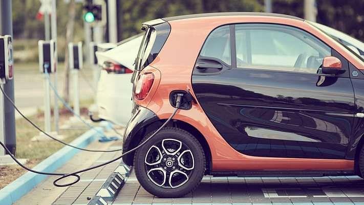 दिल्ली में इलेक्ट्रिक वाहन खरीदने के लिए दी गई 13.5 करोड़ रुपये की सब्सिडी