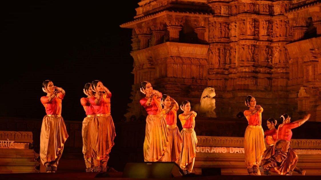 खजुराहो के मंदिर प्रांगण में 44 साल बाद हो रहा है नृत्य समारोह