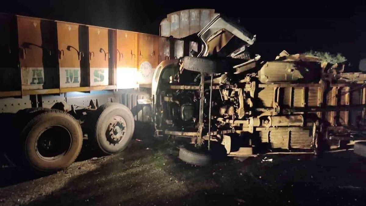 बिहार में स्कॉर्पियो ने ट्रक में मारी टक्कर, 6 की मौत