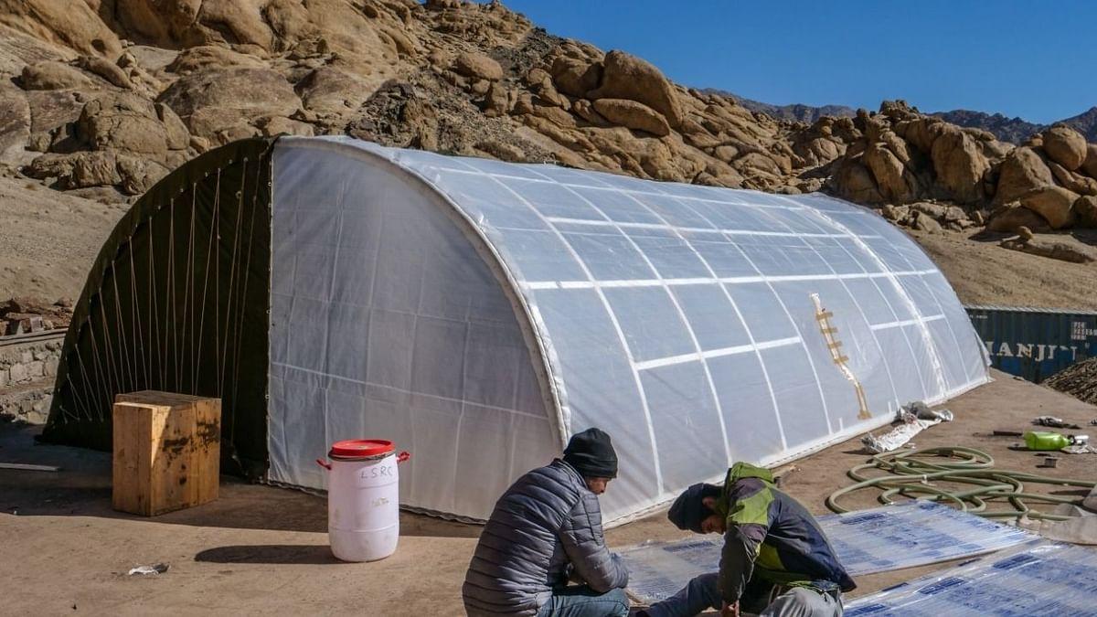 सोनम वांगचुक ने सेना के लिए बनाया सौर ऊर्जा चालित मोबाइल तम्बू