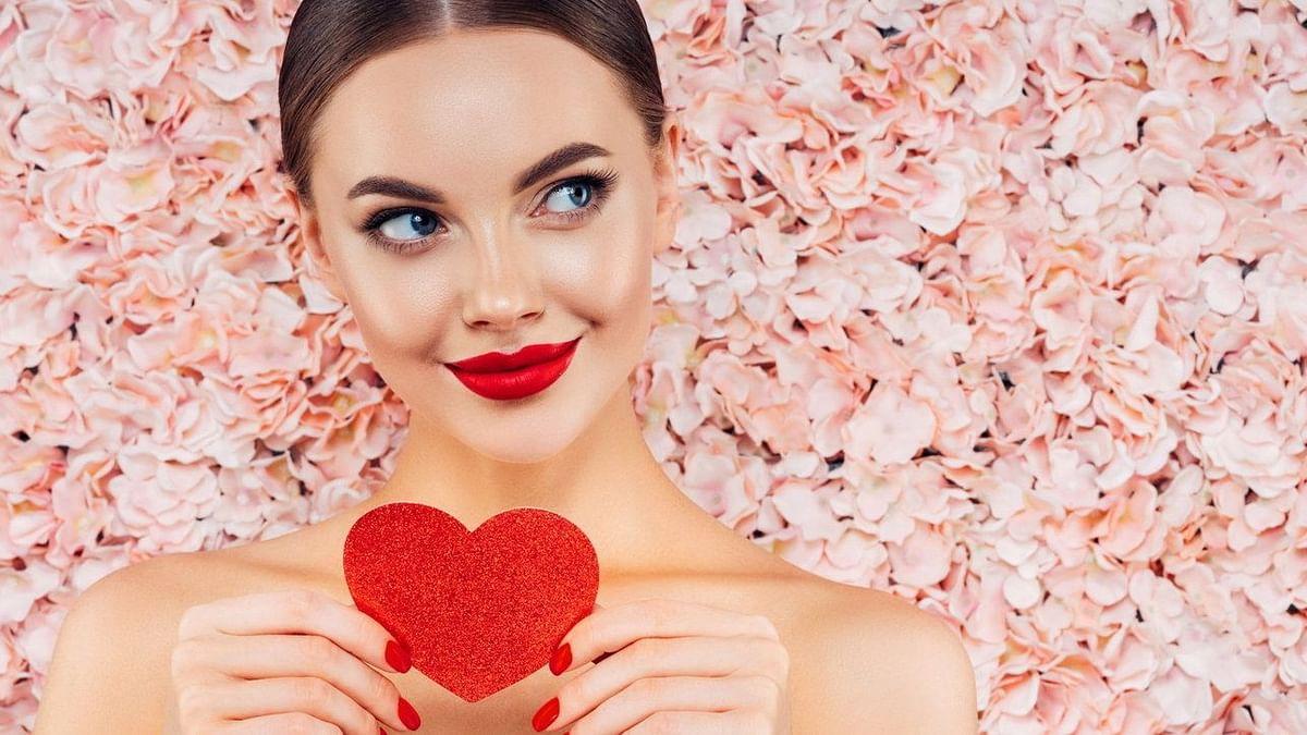 Valentine's Day 2021 Beauty Tips: बनाना चाहती हैं दिन को स्पेशल तो बस 10 मिनट में करें ये खास फेशियल