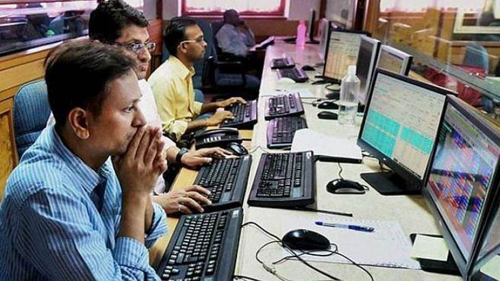 शेयर बाजार में कोहराम, सेंसेक्स 1,145 अंक लुढ़का