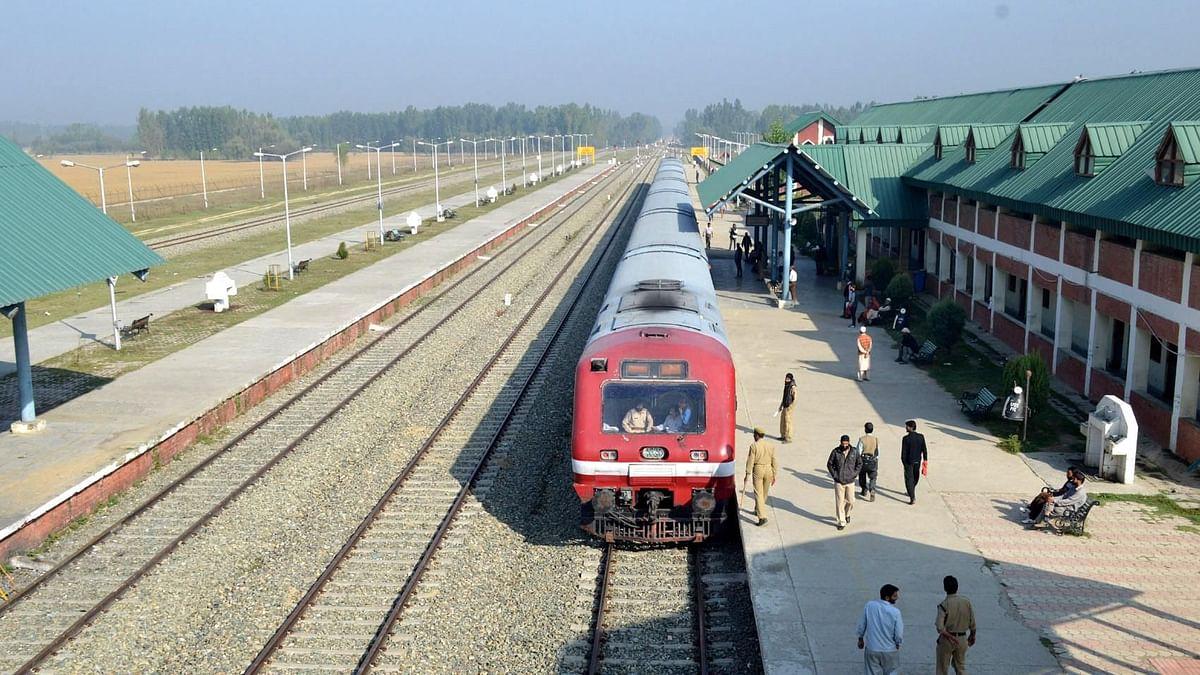 कश्मीर: 11 महीने बाद फिर से शुरू होगी ट्रेन सेवा