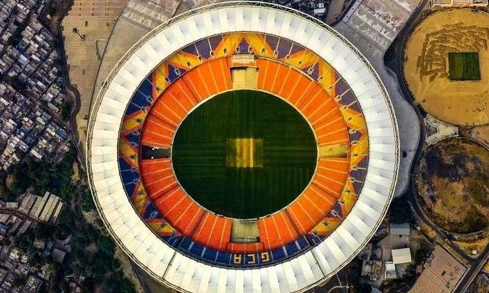 आसमान से कुछ ऐसा दिखता है दुनिया का सबसे बड़ा क्रिकेट स्टेडियम, जानें मोटेरा की खासियतें