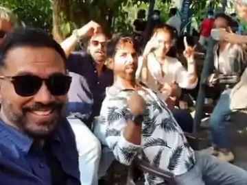 शाहिद कपूर ने टीम संग की 'Pawri', बोले- ये हमारी 'पावरी' हो रही है...देखें Video