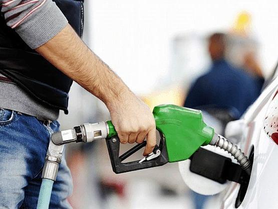 पेट्रोल, डीजल के दाम चौथे दिन बढ़े, कच्चा तेल टूटा