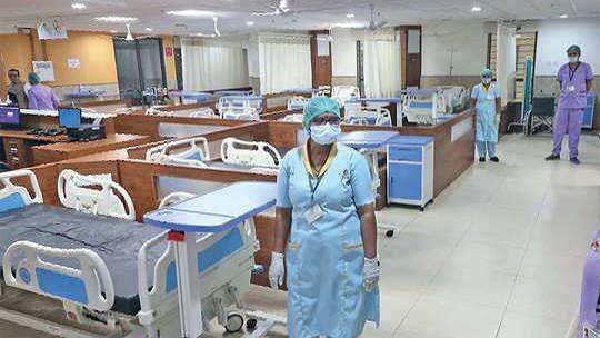 यूपी के सभी सरकरी अस्पतालों से कोरोना का प्रतिबंध हटा, OPD में देखे जाएंगे मरीज