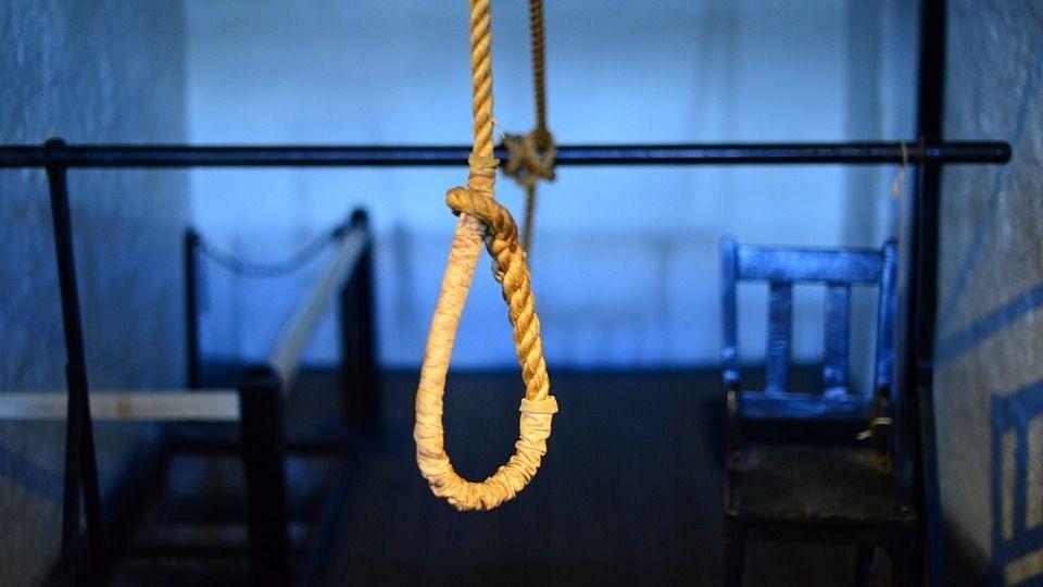 अलीगढ़: बिजली के भारी-भरकम बिल को देखकर किसान ने की आत्महत्या