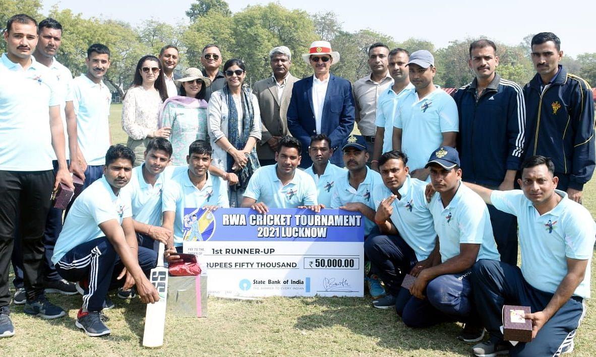 लखनऊ: रेजिडेंट वेलफेयर एसोसिएशन की तरफ से हुआ क्रिकेट टूर्नामेंट का आयोजन, सूबेदार योगेंद्र यादव विहार बना चैम्पियन