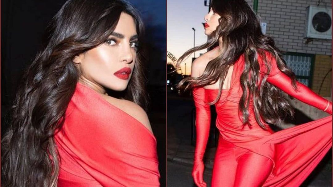 प्रियंका चोपड़ा ने आधी रात बीच सड़क पर दिखाईं अदाएं, लाल रंग में पूरी तरह से रंगी आईं नजर