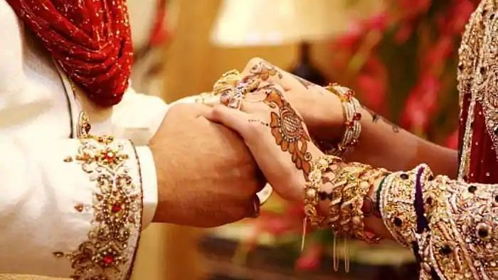नहीं हो रही थी शादी तो पहना दी वरमाला 13 वर्षीय मासूम छात्र को, फिर सुहागरात और फिर विधवा का नाटक.. पढ़ें अनोखी खबर..!