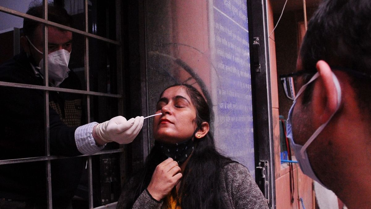 लखनऊ में पत्रकारों पर कोरोना का प्रहार