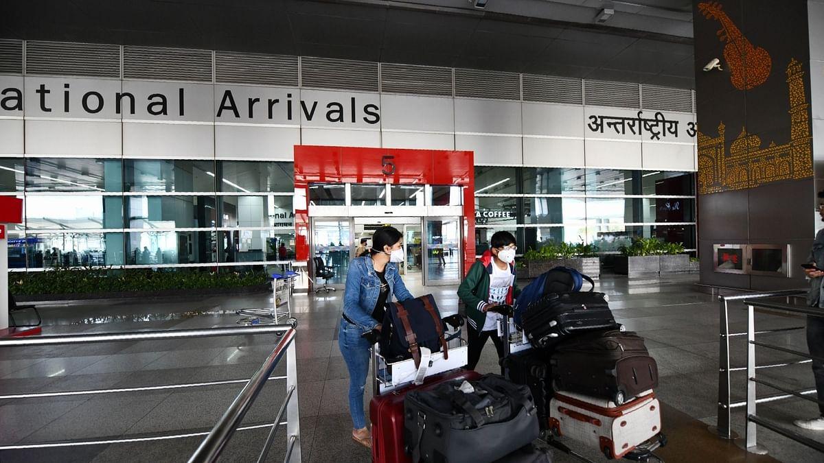 दिल्ली एयरपोर्ट पर बाहर से आने वाले यात्रियों के होंगे रैंडम कोरोना टेस्ट
