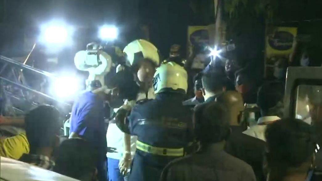 मुंबई: मॉल में बने अस्पताल में लगी आग, 76 कोरोना मरीज थे भर्ती