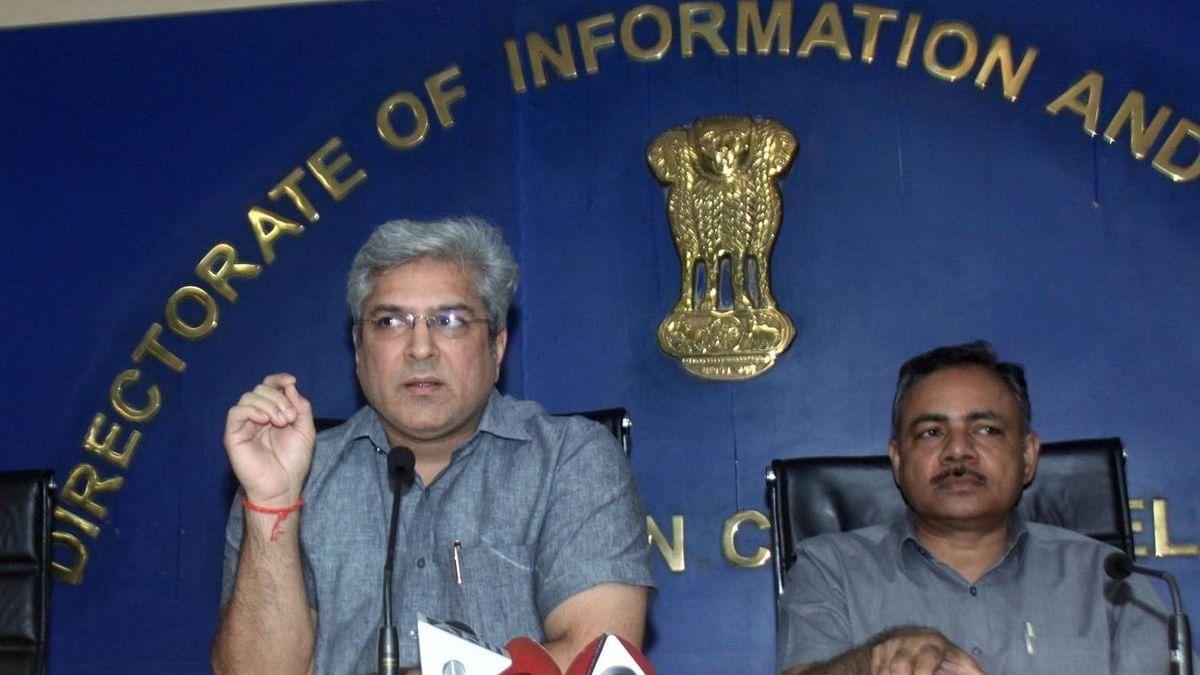 दिल्ली: RC और ड्राइविंग लाइसेंस के लिए फेसलेस सेवाएं शुरू