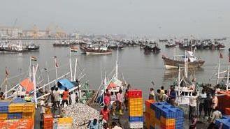 गुजरात के 345 मछुआरे पाकिस्तानी जेलों में बंद
