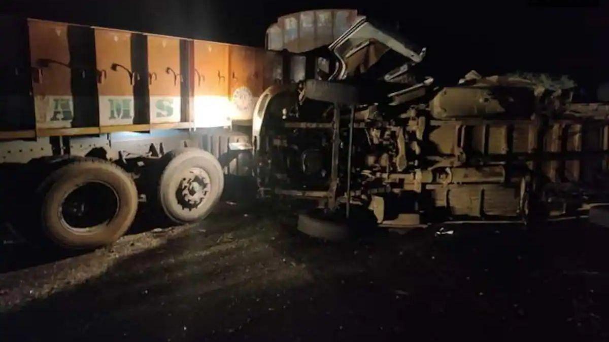 आंध्र प्रदेश : सड़क दुर्घटना में तमिलनाडु के 8 तीर्थयात्रियों की मौत