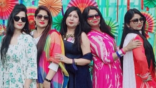 लखनऊ: सहेली क्लब द्वारा मिशन शक्ति के तहत विशिष्ट लोगों को किया गया सम्मानित, साथ ही हुआ होली मिलन समारोह