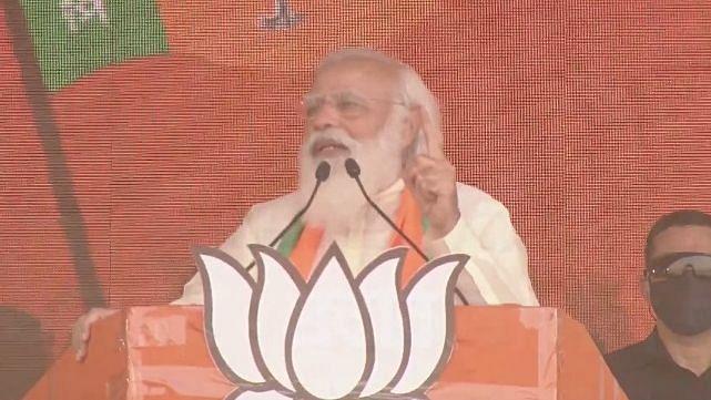 PM मोदी ने बंगाल की रैली में उठाया पुलवामा और बाटला हाउस एनकाउंटर का मुद्दा