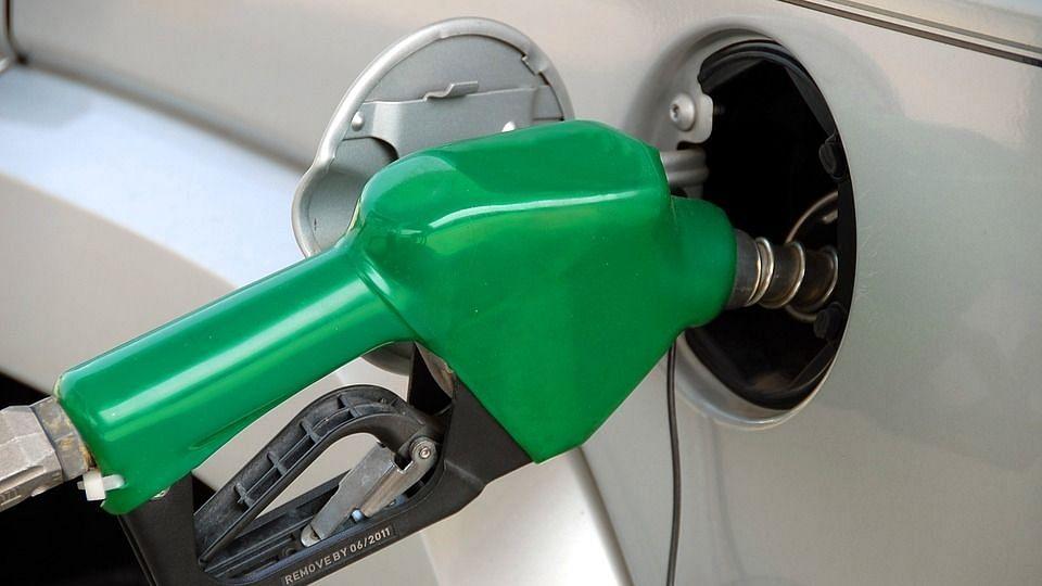 कच्चे तेल में नरमी से मिलेगी पेट्रोल, डीजल की महंगाई से राहत.!