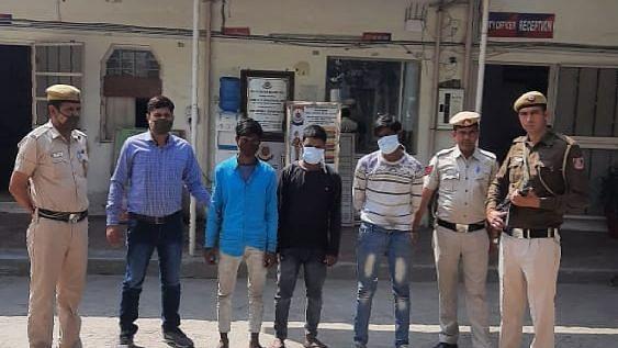 दिल्ली: ट्यूशन पढ़ाने जा रहे शिक्षक से लूटपाट, 3 गिरफ्तार