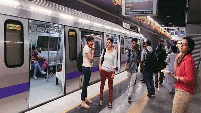 दिल्ली में नाइट कर्फ्यू के बाद दिल्ली मेट्रो का महत्वपूर्ण ऐलान, सरकारी आदेशों का पालन करने वाले ही कर सकेंगे यात्रा