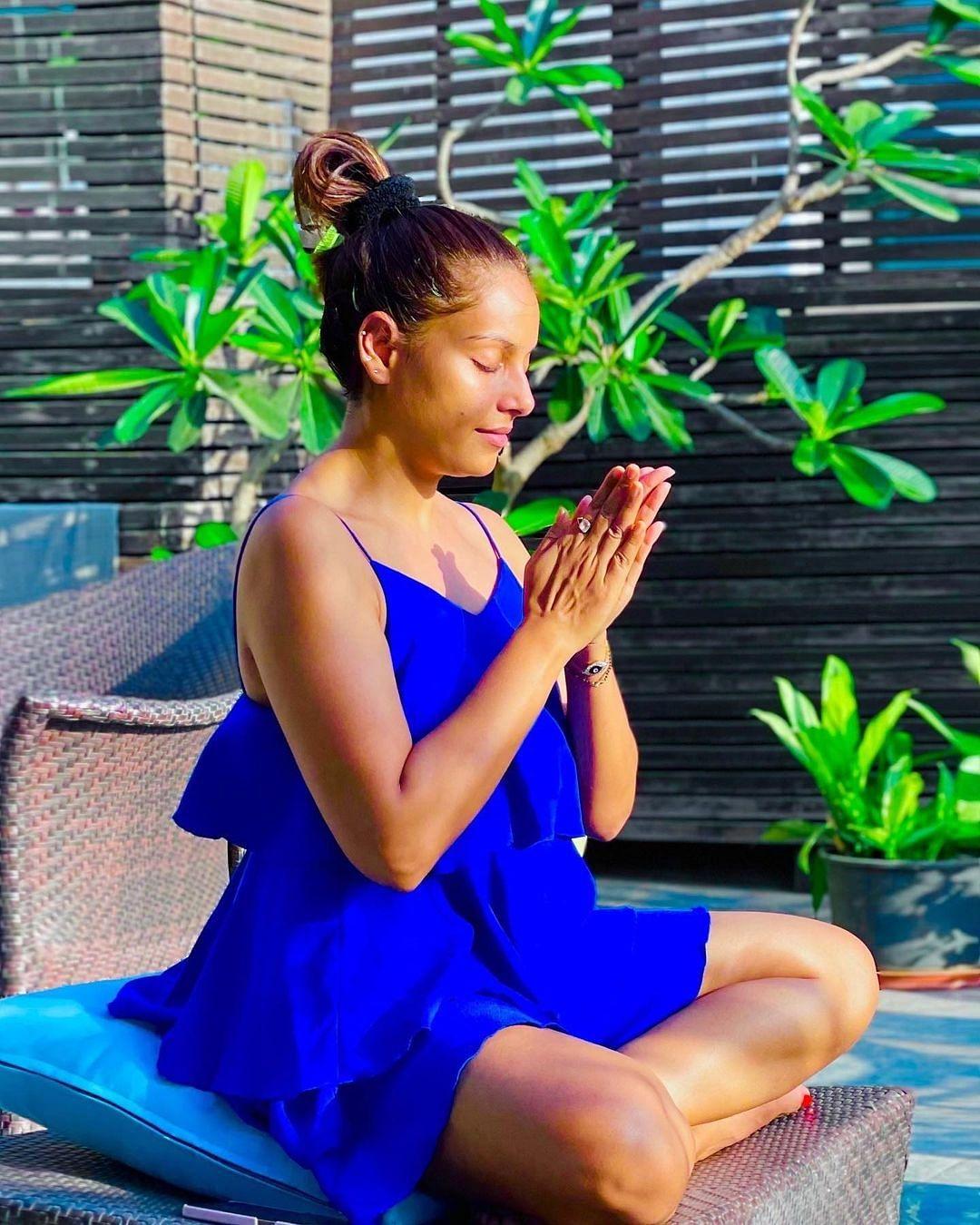 बिपाशा बसु ने महामारी के दौरान सभी के लिए की प्रार्थना