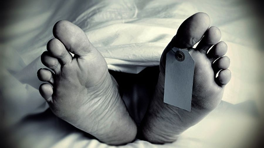 सीतापुर: प्रेमी ने फोन पर किसी और से बात की तो प्रेमिका ने युवक को मौत के घाट उतार दिया