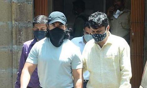NCB द्वारा गिरफ्तार किए गए अभिनेता एजाज खान कोरोना पॉजिटिव पाए गए
