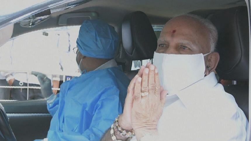 कोरोना से रिकवर होने के बाद येदियुरप्पा को अस्पताल से मिली छुट्टी