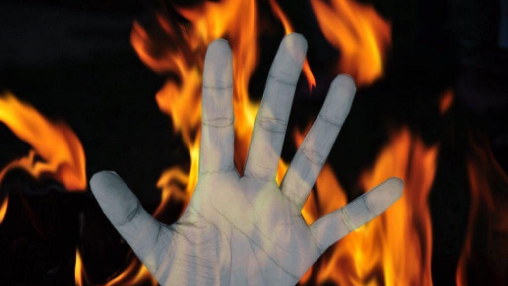 असम में 12 साल की घरेलू नौकरानी को जिंदा जलाया गया, बाप-बेटा गिरफ्तार
