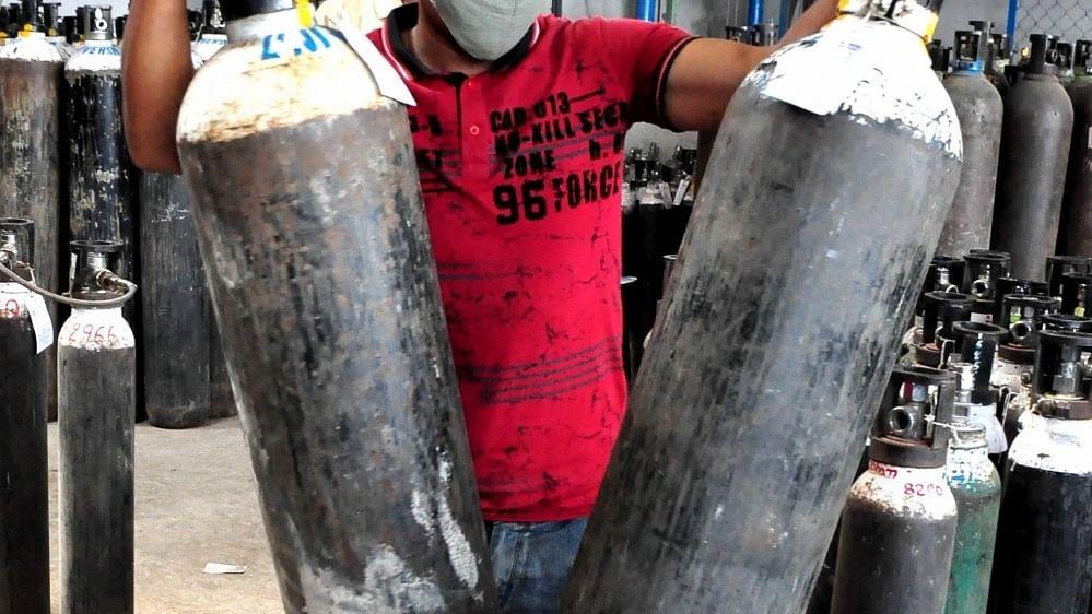 प्रियंका ने ऑक्सीजन एक्सपोर्ट का मुद्दा उठाया, कहा, 'कौन है जिम्मेदार'