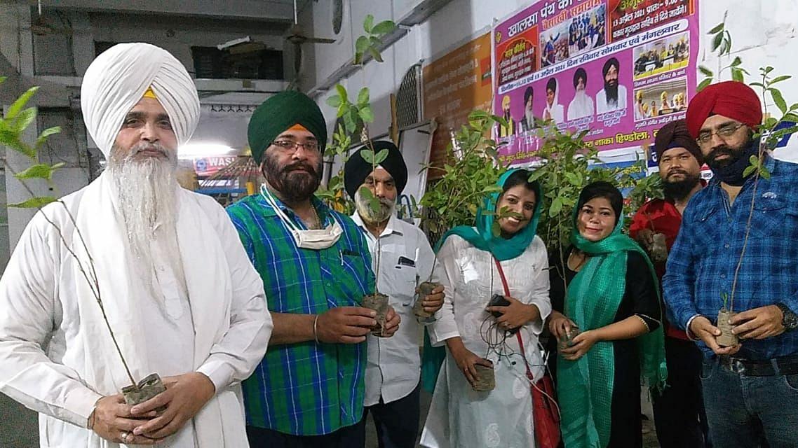 लखनऊ: गुरुद्वारा नाका हिण्डोला में मनाया गया हरियाली दिवस