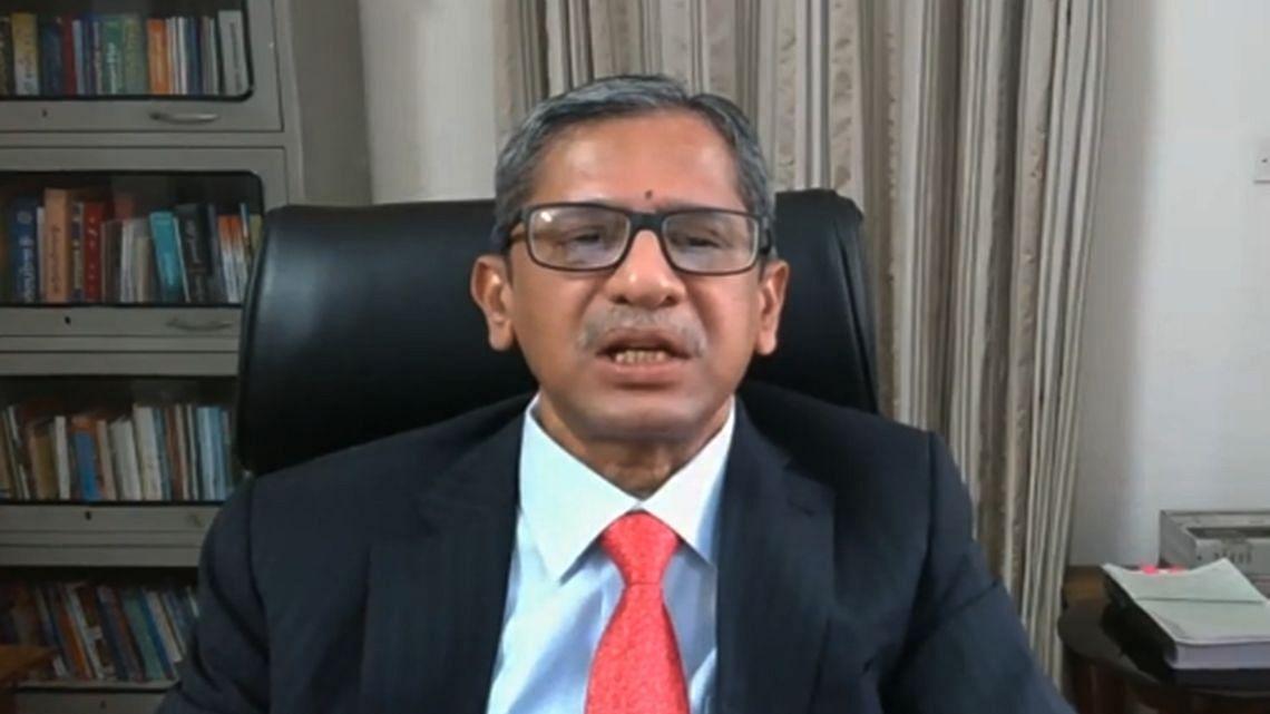 न्यायमूर्ति एन वी रमण ने भारत के 48वें प्रधान न्यायाधीश के रूप मे शपथ ली