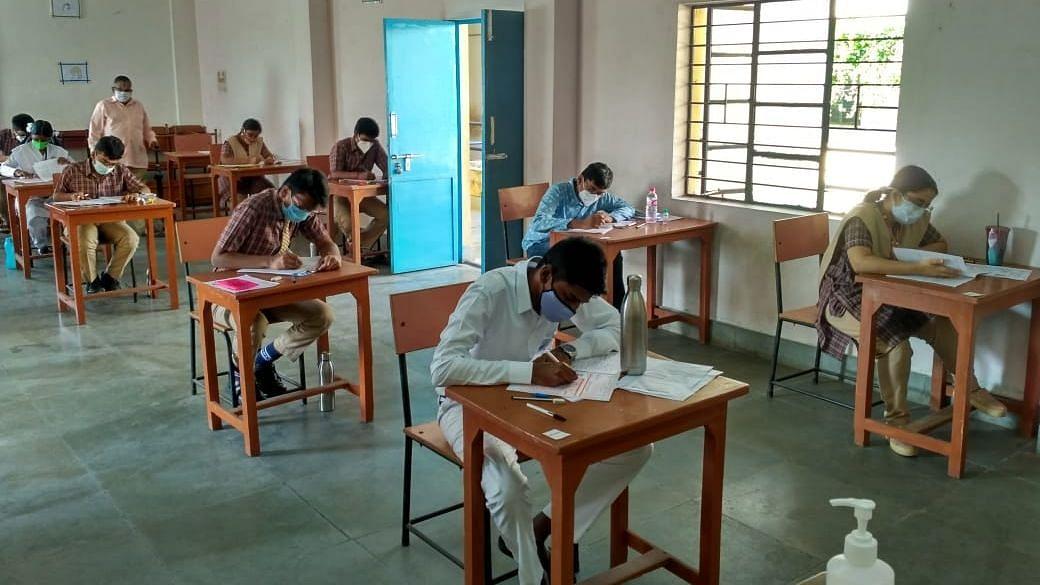 माध्यमिक शिक्षा बोर्ड ने जारी किया UP Board का कार्यक्रम, 8 मई से होंगी परीक्षाएं
