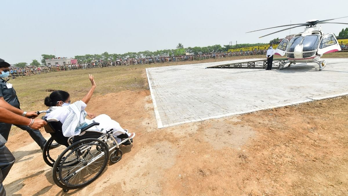 बंगाल में चुनावी हवाई यात्रा में खर्च हुए 100 करोड़