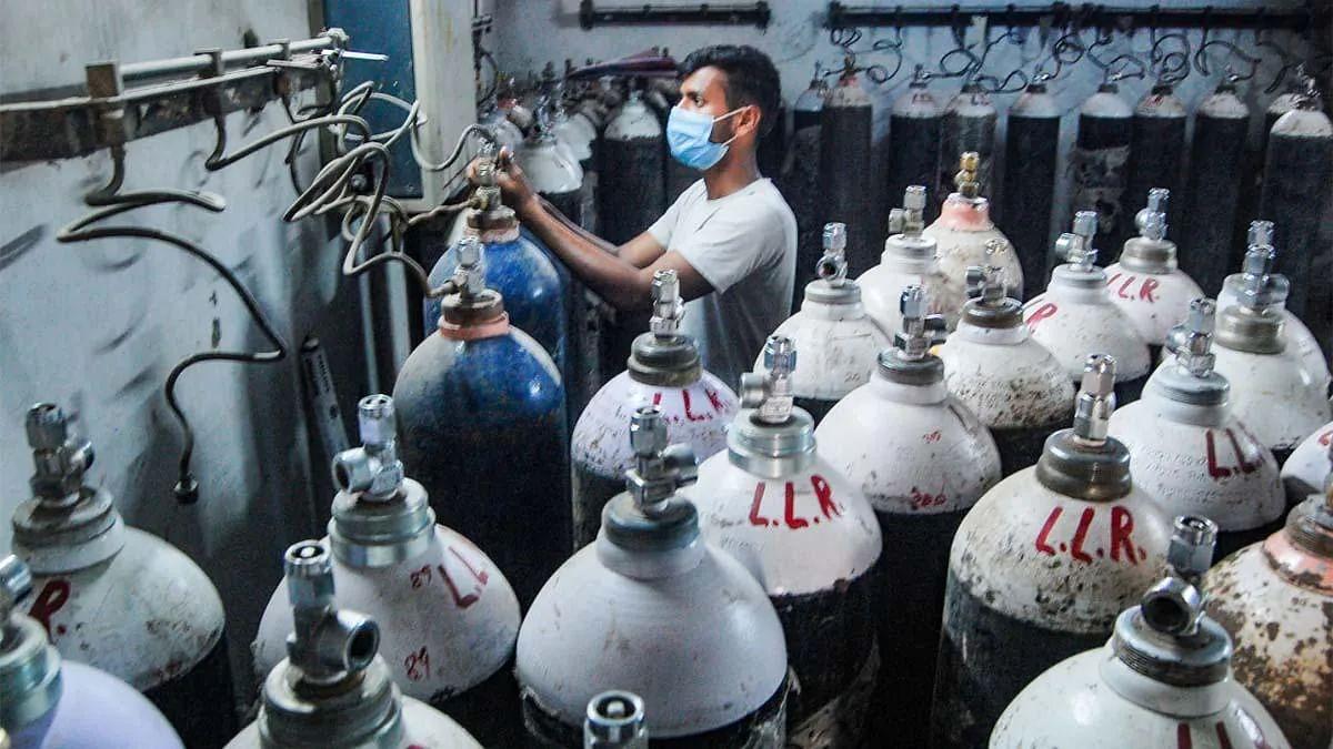 ऑक्सीजन की कमी के चलते दिल्ली के अस्पताल में 20 कोविड मरीजों की मौत