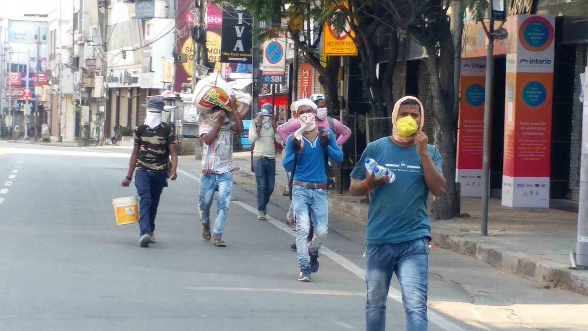 बिहार: लौट रहे लोगों को रोजगार की चिंता, लेकिन अपने प्रदेश पहुंचने का सुकून भी